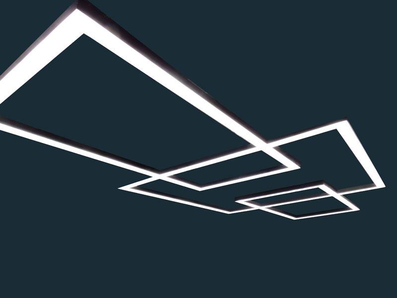 Декоративный стельовий светильник.