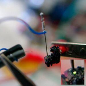 Випромінювання кристалу світлодіода.